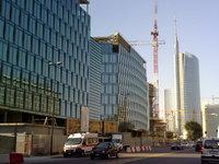 Posa dell'antenna sulla Torre Garibaldi - 15.10.11 Milano, Cantiere Porta Nuova